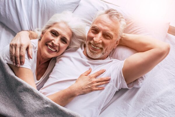 senioren in bed